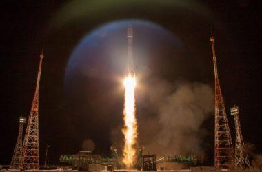 OneWeb: Start-up de Londres lança o primeiro grande lote de satélites